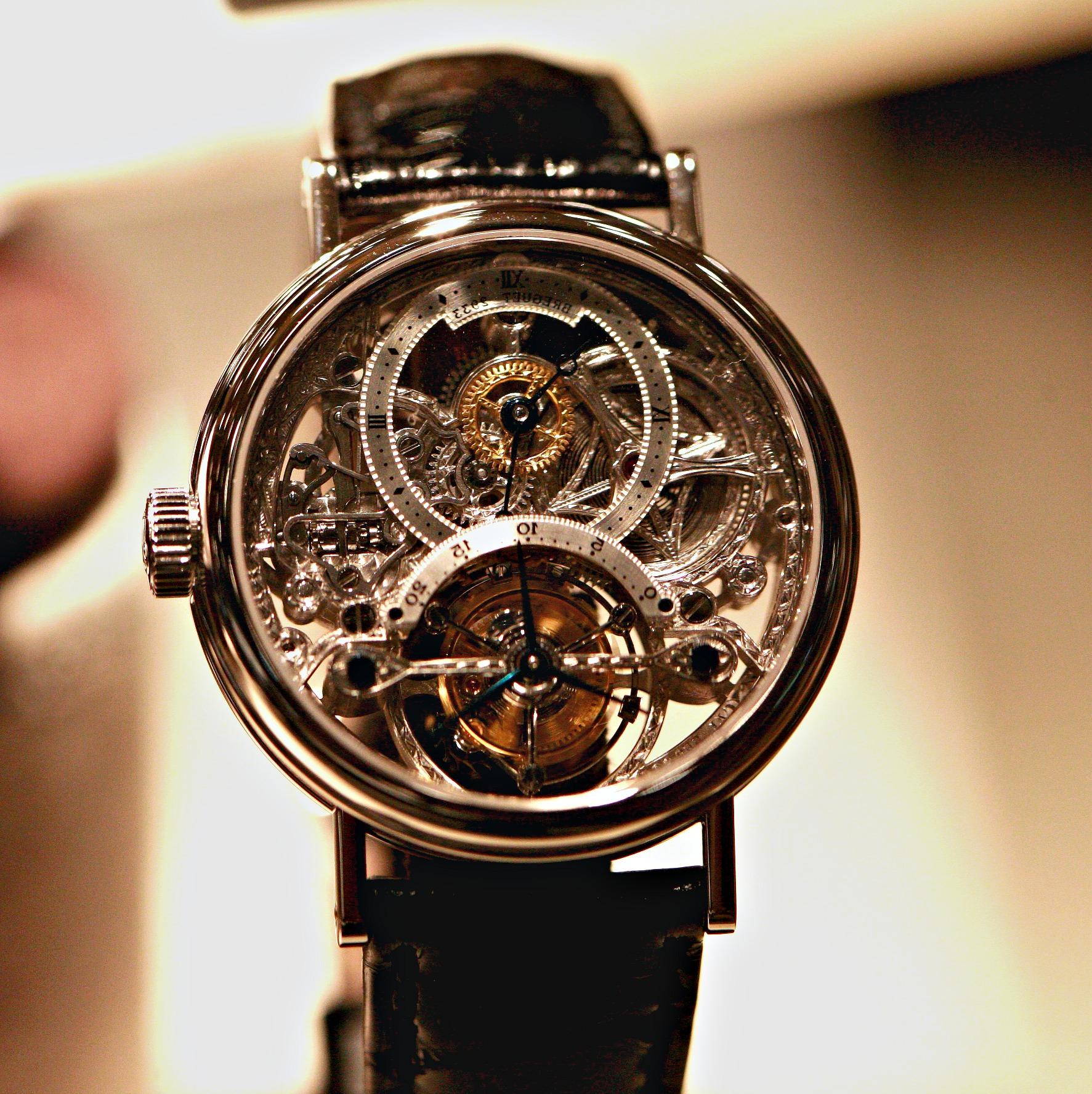 0ae271c1fe9e Rendre une tenue plus chic avec une montre de luxe d occasion