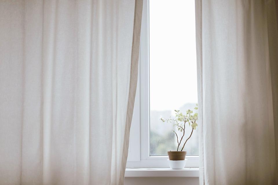 3 astuces pour bien choisir ses rideaux. Black Bedroom Furniture Sets. Home Design Ideas