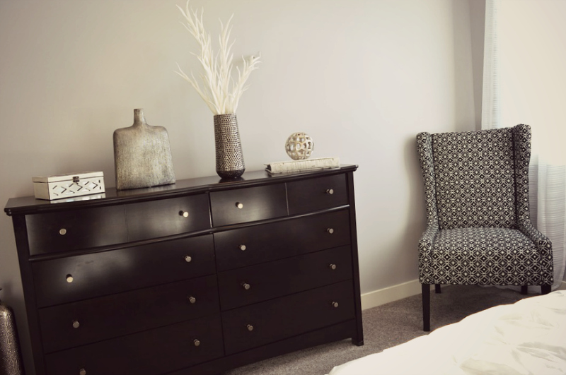 acheter des meubles design et vintage. Black Bedroom Furniture Sets. Home Design Ideas